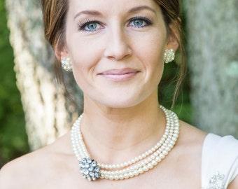 Cream Pearl Necklace-Pearl Necklace-Cream Necklace-Pearl Wedding Necklace-Bridal Jewelry-Bridesmaid Gift-Brooch Necklace-Cream Pearl