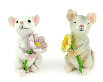 "Mice Holding Flowers - 2"" x 1"" x 1.25"" - Set of 2"