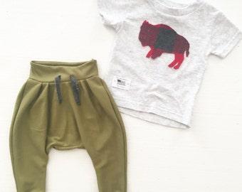 Boy leggings,boy shirt,boy clothing,baby clothes,Christmas gift ideas,holidays,baby joggers,lumberjack,buffalo,plaid,babycoming home outfit