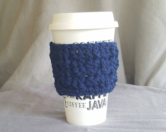 To go cup sleeve / hot cup jacket/ cup holder// ready to ship// navy// basket weave// green gift