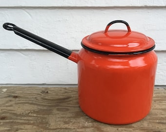 red enamelware pot with lid ~ Polish enamelware pot ~ red polish enamelware pot with lid ~ red pot with lid ~ made in Poland
