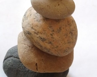Stacking rocks-Chill tf OUT