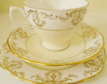Vintage Royal Vale china trio teacup saucer plate primrose buttermilk pale yellow band gilt chintz cup and saucer set gift afternoon tea