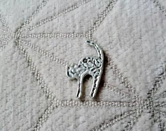 1 silver metal cat charm