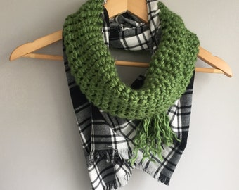 Green Blanket Scarf / Flannel Scarf / Black and White Scarf / Crochet Scarf / Infinity Scarf / Plaid Scarf / Winter Scarf