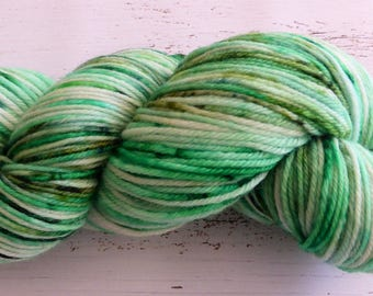 Hand dyed yarn 4 ply hand dyed Australian wool green yarn 100g Green Matcha