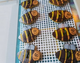 New Buttons, High Quality - 8 adorable New painted enamel metal bumble bees medium size 3/4  inch design,  (New 162 18 )