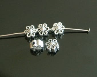 Set of 20 spacer beads form flowers, 7 x 5 mm, antique silver metal