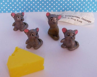 "Four Mice and Cheese Wilton Vintage Miniature  Cake Toppers , Mice are 1"" tall"