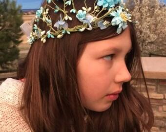 Blue Pip Berry Vine Crown / Head Garland / Wreath