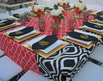 12 monogrammed dinner napkins in black with free shipping in the US