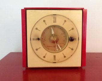 Red 1940s Bakelite Clock - General Electric/Kitchen Clock, Vintage Bakelite Clock, Vintage Electric Clock