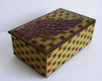 Vintage  Tin W.R. Jacob & Co with Grape Theme, Mid Century English Collectible Tin Box, Retro Bisquit Manufacturers Tin made in England 30s