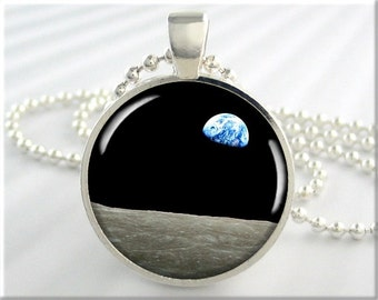 Earthrise Moon Pendant, Apollo Moon Picture Necklace, Earthrise Photo Pendant, Resin Jewelry, Round Silver, Space Lover Gift 356RS