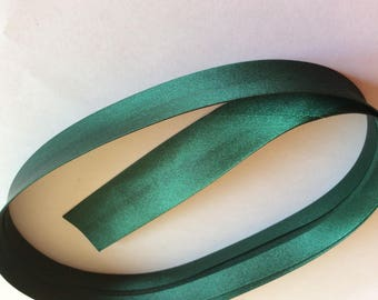 25mm silky sateen bias binding, emerald green no43