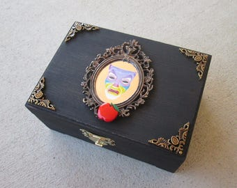 Magic Mirror from Snow White inspired trinket / jewelry box (or use as change bank, dice holder, etc.)