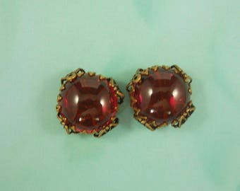 22MM Round,Glass, Siam aready set in a filgree, 2 pcs.