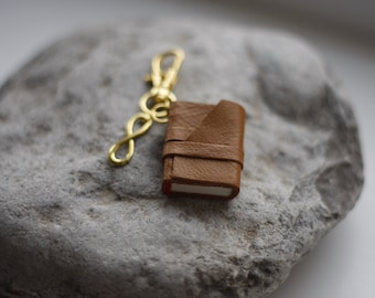 Mini book keychain with inspirational quote. Bag accessory. Gift for book lover.
