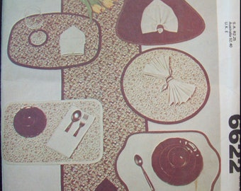 Table Linen Craft Package Placemats, Table Runner, Napkins, Bread Basket, Coasters McCalls Pattern 6622 circa 1970s