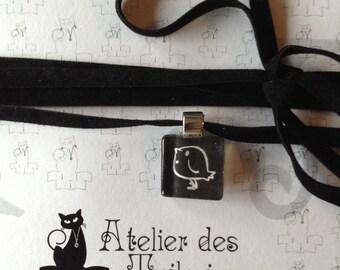Choker velvet with 1.5 cm, white/black glass square pendant