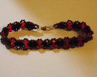 lovely bracelet and necklace... a fashion point.