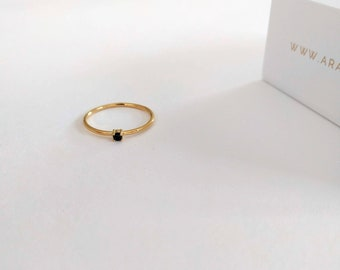 minimalist solitaire gold ring , black stone ring, minimal stacking ring, black cz ring, Simple Engagement Ring, Classic customized ring