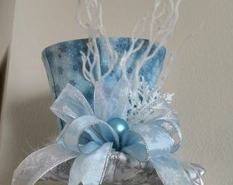 Snowflake Top Hat -Christmas Tree Topper Bow -FREE SHIPPING - Winter Wonderland Tree Topper Bow -Tree Topper Top Hat -Top Hat Tree Topper