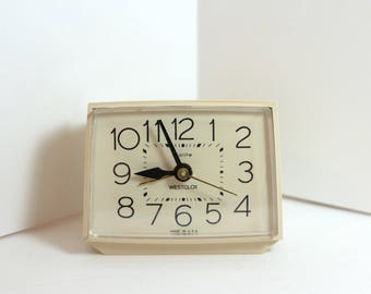 Vintage Westclox Bold II Dialite Analog Alarm Clock - Beige - Made in USA 22190