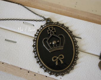 Cameo necklace Crown