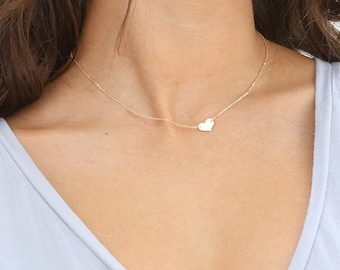 VIVI Necklace • Small Heart Necklace • Delicate Engraved Heart Necklace, Personalized Heart Necklace, Dainty Girlfriend Gift, Custom Gift