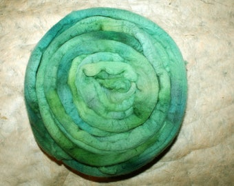 Hand dyed merino wool emerald combed