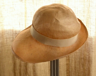 French vintage 1930s  women straw hat natural colour