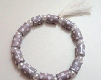 Gray and white paper beaded bracelet