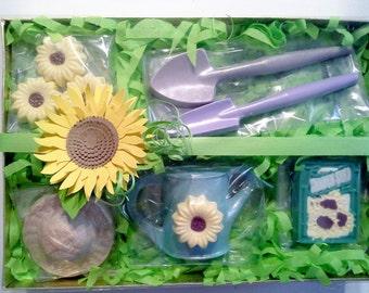 Chocolate Gardening Gift Set