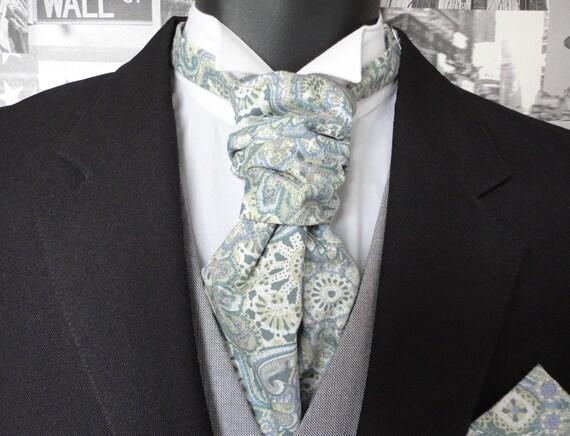 Scrunchy Wedding Cravat, pastel paisley cravat, groomsmen tie, cravats for men