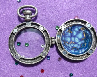 Spacey Compass Pendant