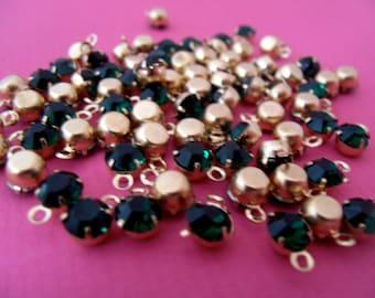 Half price sale! 10 x small green rhinestone charms