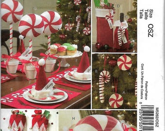 """McCall's 5262       """"Red and White""""    Christmas Decor       Uncut"""