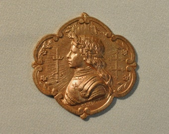 Vintage French Joan of Arc Profile Medal Raw Brass Gold Toned Medieval Style Pendant 1 Piece 266J