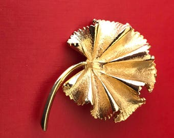 Beautiful Rippled Gold Dipped Geranium Leaf Brooch