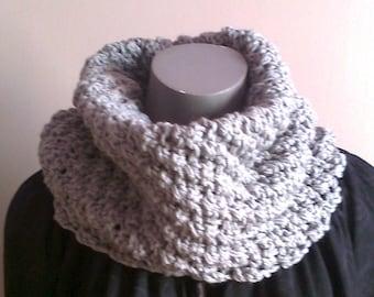 snood hand knit light grey