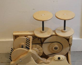 SpinOlution Worker Bee portable spinning wheel
