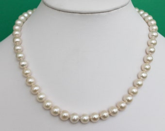 Elegant 8-9mm AAA White Freshwater Pearl Necklace