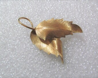 Krementz double Leaf brooch Pin Gold Tone Signed