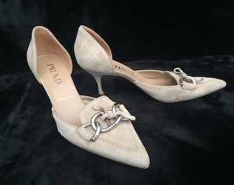 PRADA Vintage Beige Suede Ladies Shoes Kitten Heel Pumps VERO CUOIO Size 35 1/2 Made in Italy