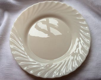 Vintage Arcopal Trianon Dinner Plate in Ivory milk (u0027Opalu0027) glass with pretty Swirled Edge : arcopal dinner plates - pezcame.com