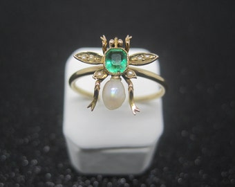 Antique converted yellow gold, emerald & pearl bee ring