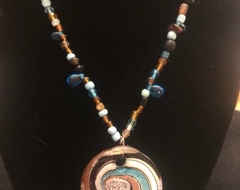 Swirling Glass Beaded Necklace - Round