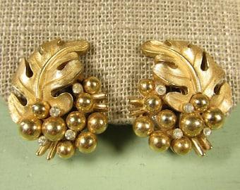 Trifari Oak Leaf Earrings - Vintage Gold Tone Crystal Rhinestone Cluster Berry Clip On
