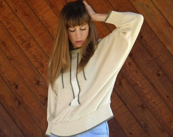 EXTRA 20% OFF SALE.... Slouchy Geo Batwing Sweater in Cream and Grey - Vintage 80s - M L
